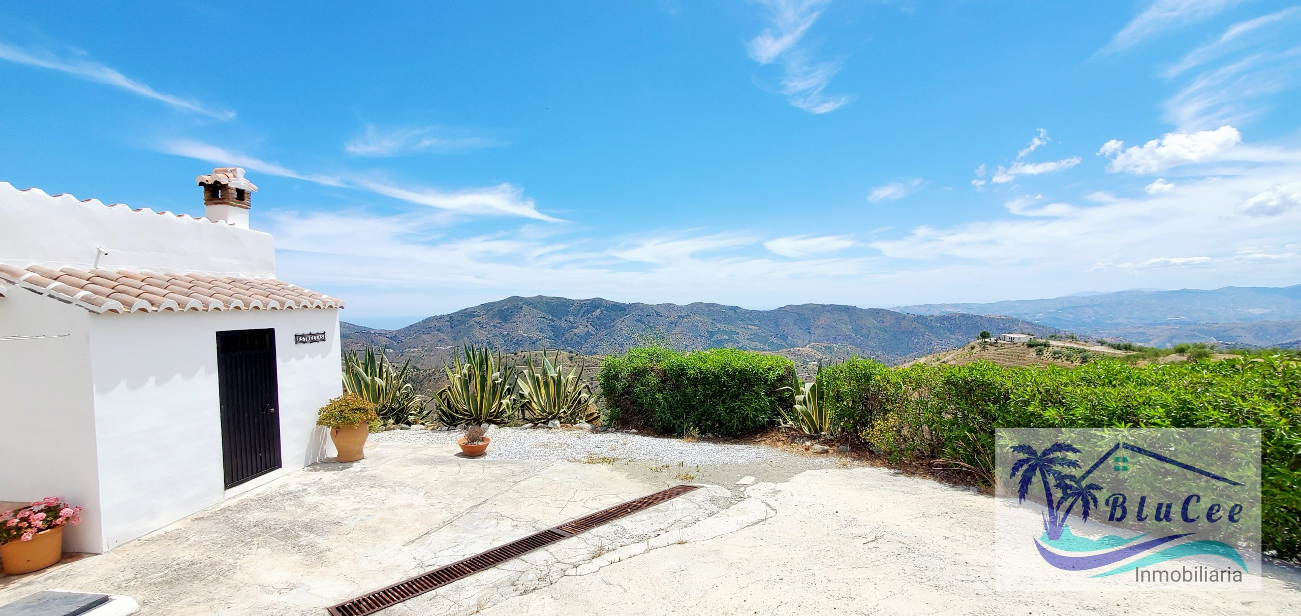 For Sale Country house in Sedella, Axarquia.
